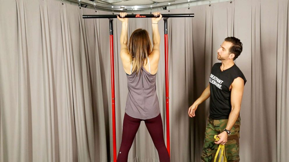 'GMA' January Challenge: How to do a pull-up with perfect form