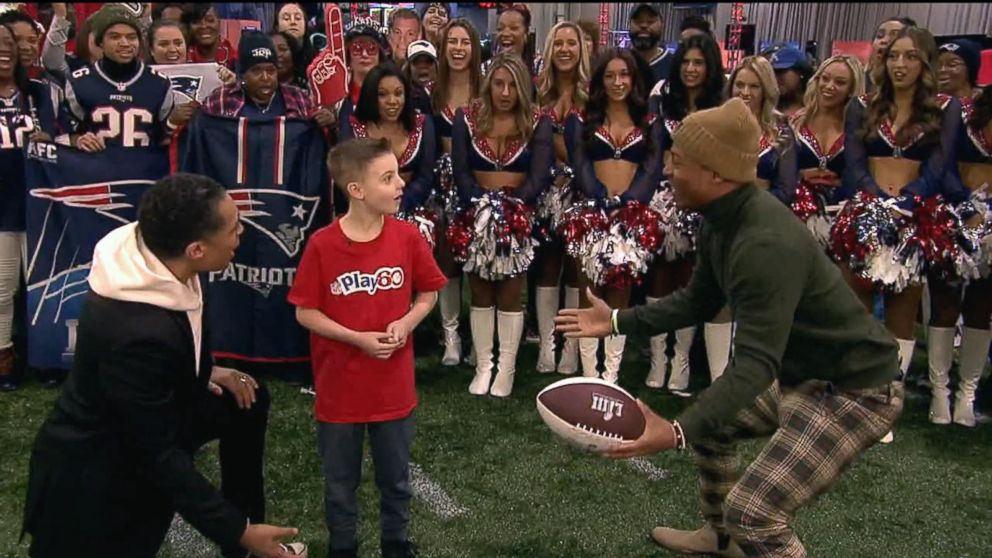f87159a9 'GMA' kid correspondent gets the surprise of a lifetime from an NFL  superstar