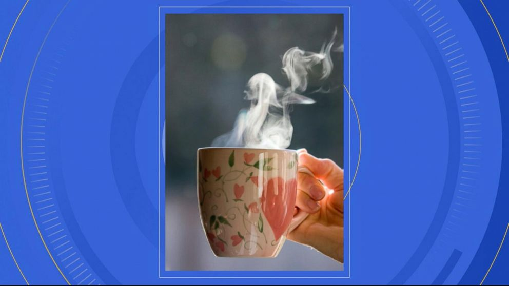 Drinking hot tea increases cancer risk: Report