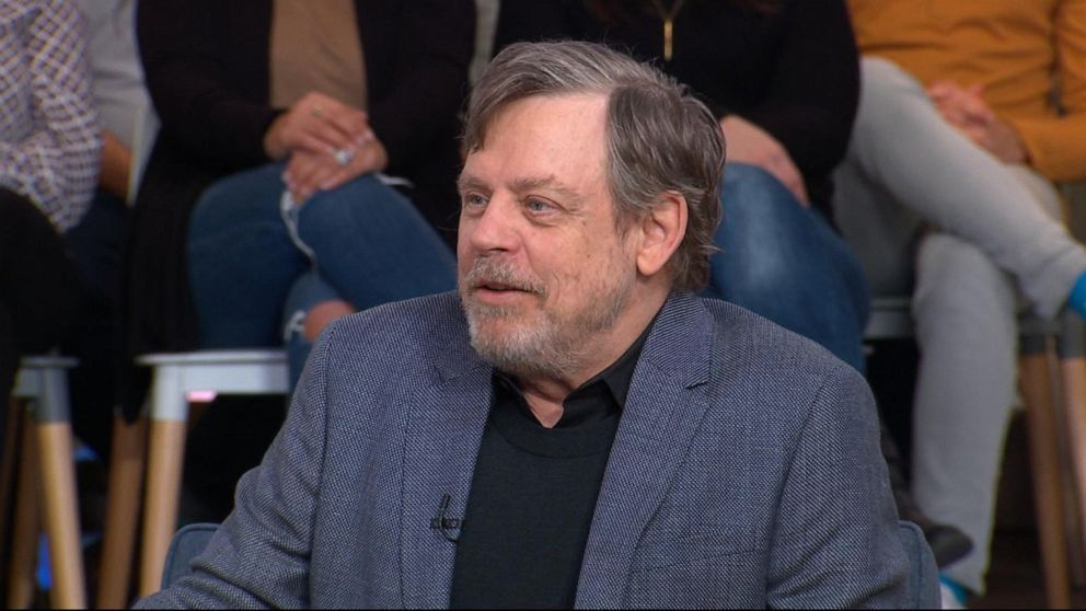 Mark Hamill shows off his new 'Star Wars' 'trailer' on 'GMA'