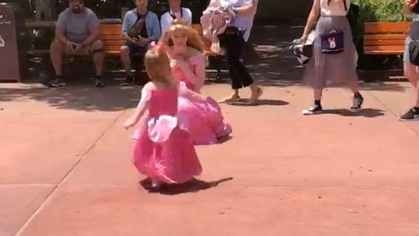 2-year-old named Aurora runs to greet Princess Aurora from 'Sleeping Beauty' at Disney