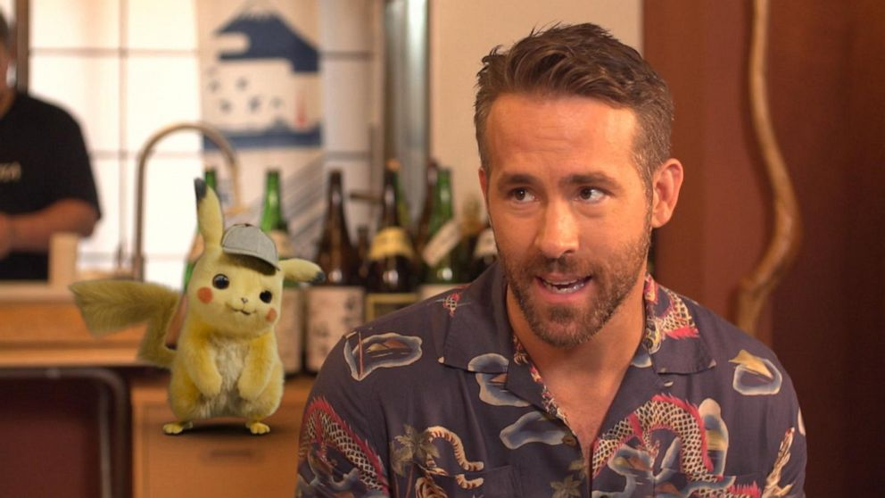Ryan Reynolds learns how to make sushi in Tokyo on 'GMA'