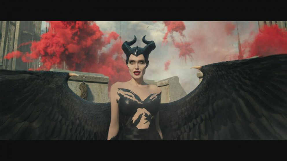 Angelina Jolie Returns In 1st Maleficent Mistress Of Evil