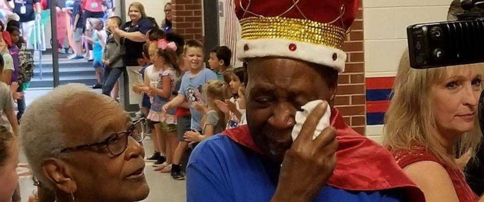VIDEO: Children make 83-year-old janitor king for a day