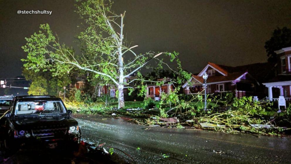 'Violent tornado' hits Missouri's capital