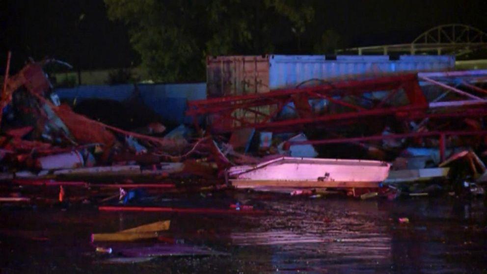 2 dead, 29 hurt as tornado destroys hotel, trailer park in El Reno