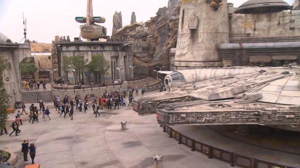 'Star Wars' fans head to Disneyland for Galaxy Edge's official opening