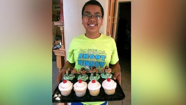 14-year-old bakes $5K worth of cupcakes to bring his entire family to Disney World