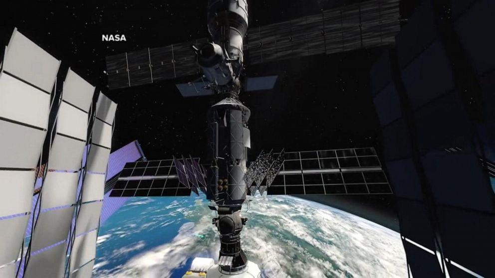 NASA announces plans to let tourists visit International Space Station