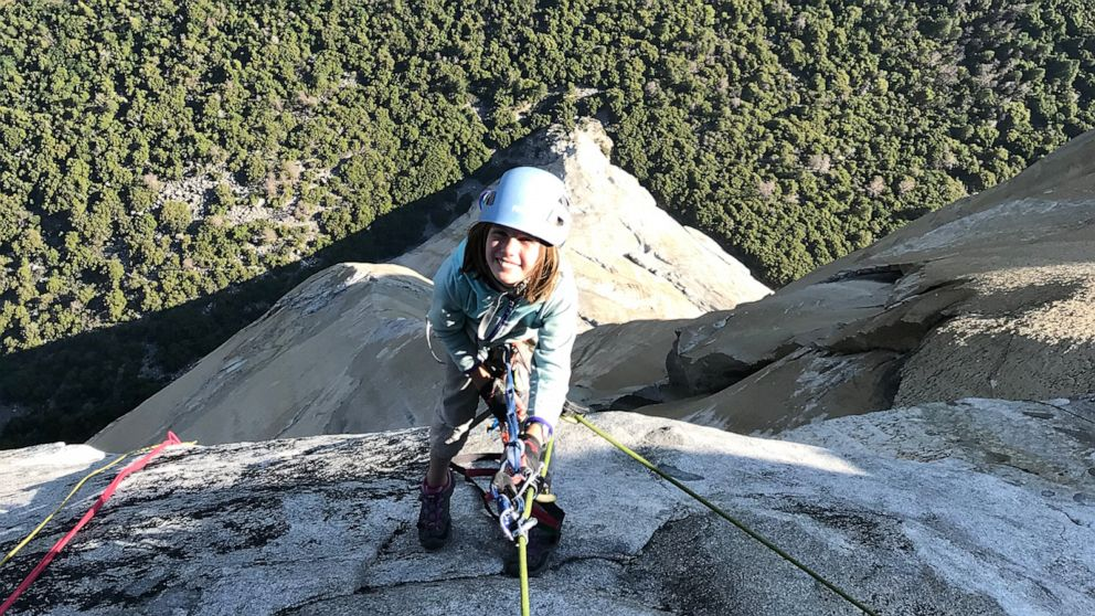 VIDEO: 10-year-old Selah Schneiter climbs Yosemites El Capitan, youngest person to do so