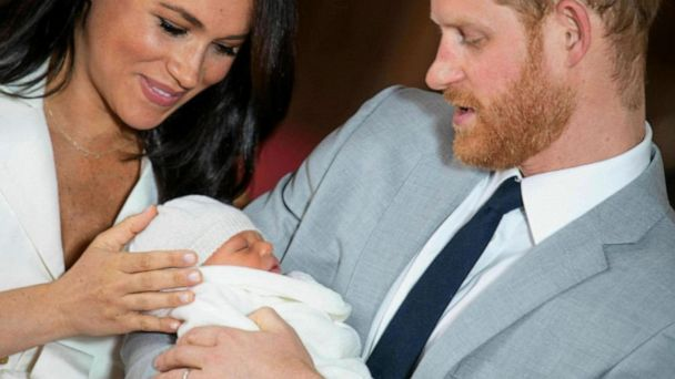 Harry and Meghan reveal new pic of baby Archie