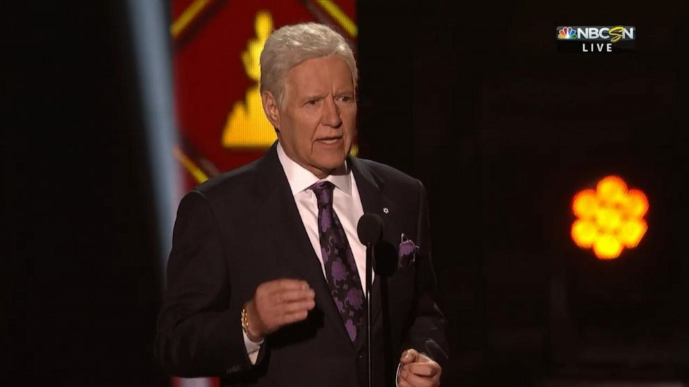 Alex Trebek gets standing ovation at NHL Awards