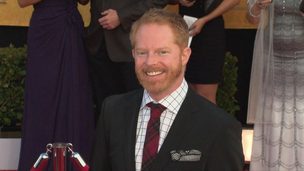 Jesse Tyler Ferguson to host HGTV's 'Extreme Makeover: Home Edition' reboot