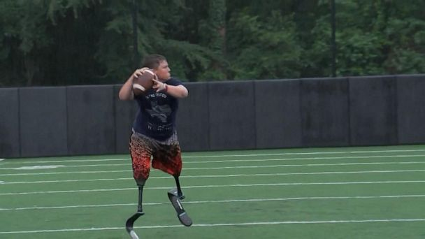 14-year-old quarterback born without tibia bones honored by ESPYs