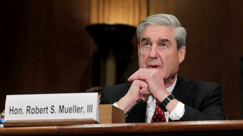 Democrats, Republicans prepare for 'reticent' witness Robert