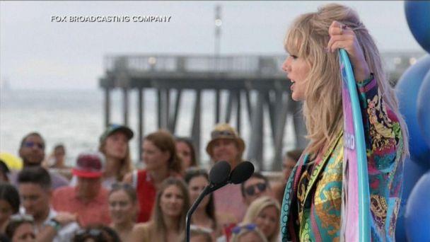 Taylor Swift accepts 1st Icon Award at the Teen Choice Awards