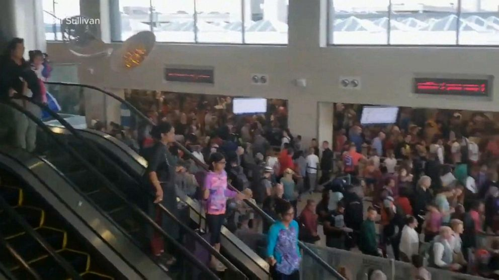 Nationwide outage at US custom stalls arrivals at major airports
