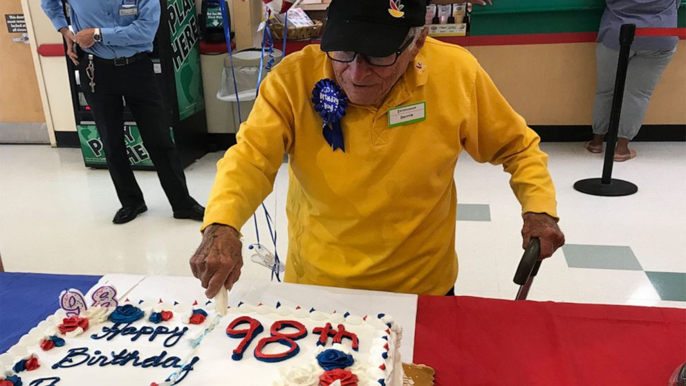 98-year-old bag boy's surprise birthday party pays tribute to his WWII service