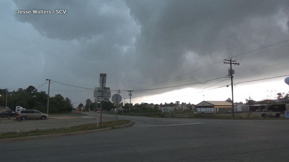 Tornadoes slice through homes in Iowa