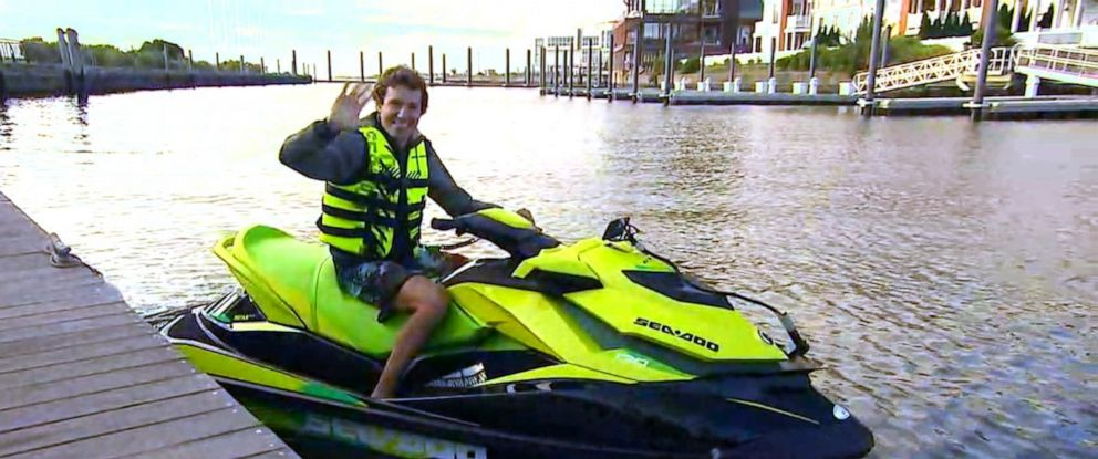"""PHOTO: David Pike shows """"GMA"""" his morning ride on a jet ski from Jersey City to Brooklyn."""