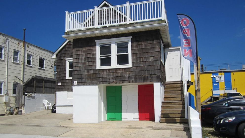 You can stay in the 'Jersey Shore' house, so time to GTL