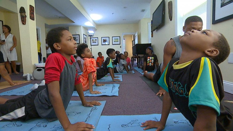 The peace kings master the art of yoga, mindfulness and meditation