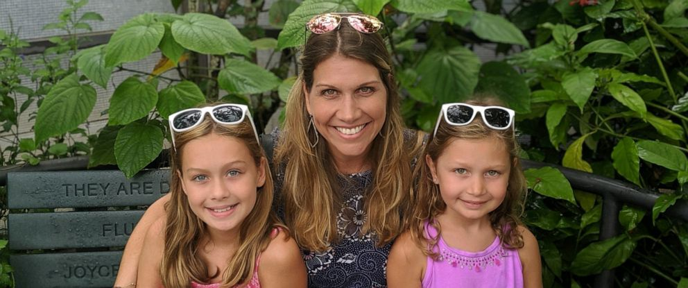 PHOTO: Kristen Hewitt is pictured with her two daughters.
