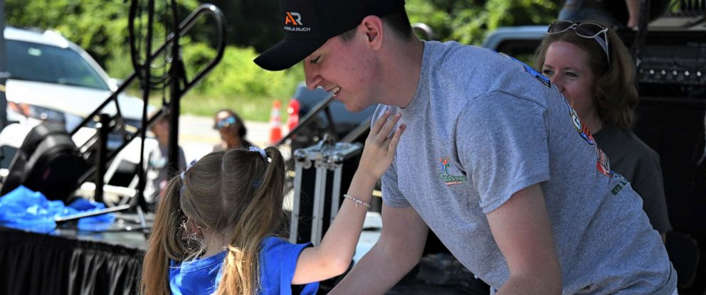 PHOTO: Eric Erdman, 19, is terminally ill but using his time to help kids find their voice.