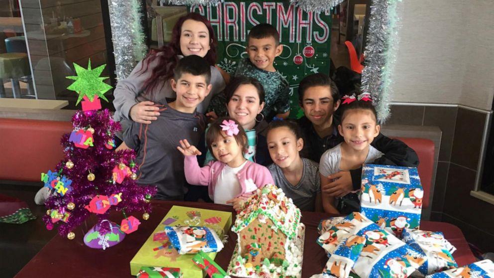 VIDEO: Disneys volunteer family of the year