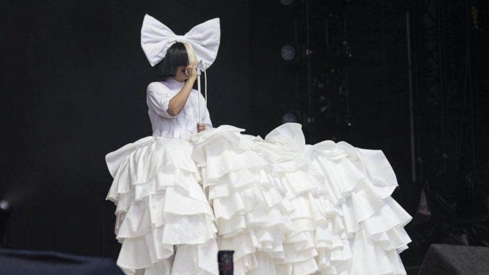 Pop star Sia speaks out about her health battle
