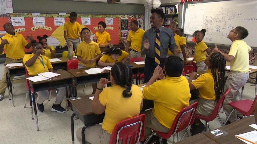 Students in one Dallas elementary school rap their way through class