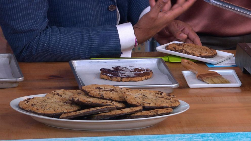 Jacques Torres' chocolate-dipped cookies kick off Ultimate Chocolate Chip Cookie Week