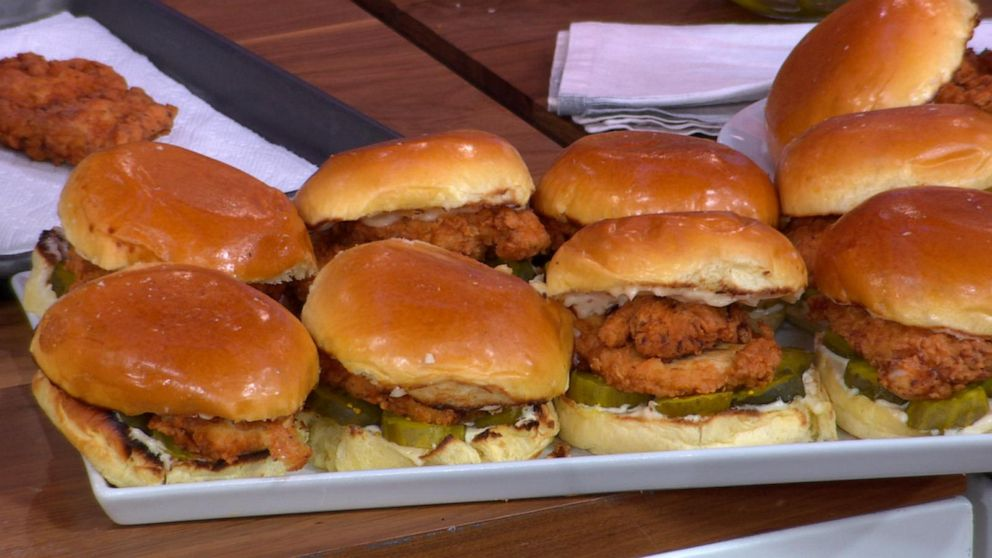 How to make a fried chicken sandwich like Popeyes at home
