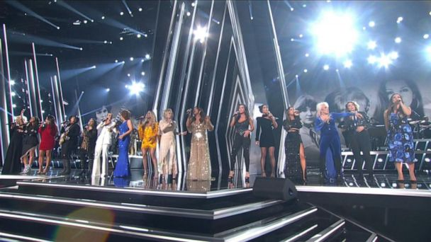 Women take center stage at the CMA Awards