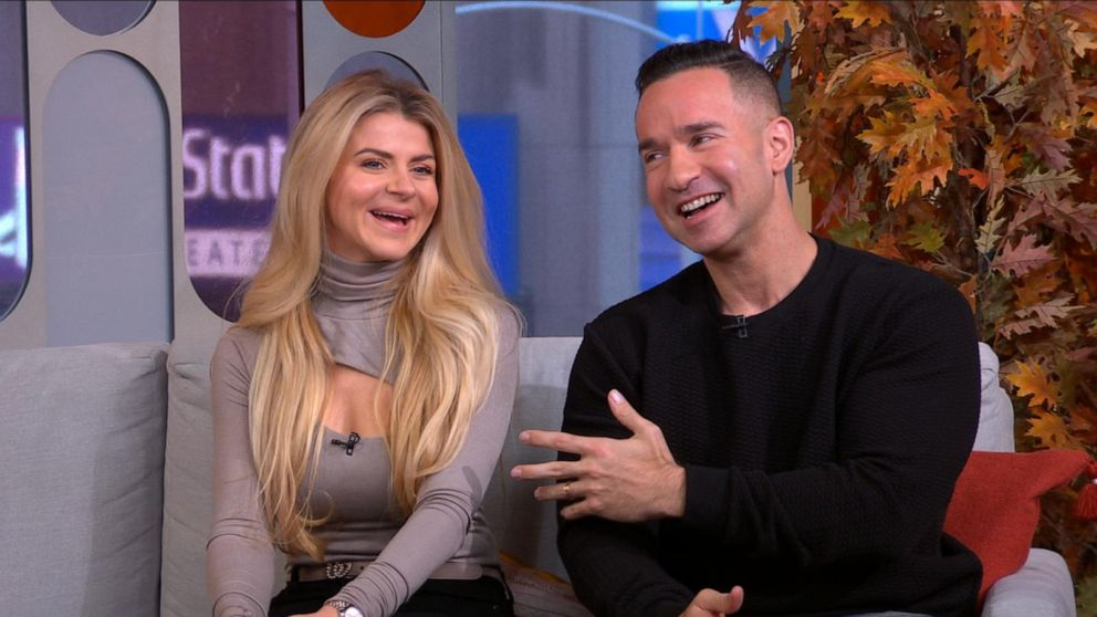 Mike The Situation Sorrentino S Post Prison Naked Pizza Party Video Abc News