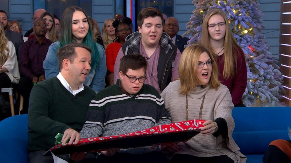 Gma Gifts A Boy And His New Family A Trip From Adventures By Disney Video Abc News