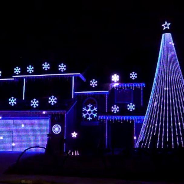 Christmas On The Cumberland 2021 People Put Christmas Lights Up To Spread Cheer Amid Coronavirus Pandemic Gma