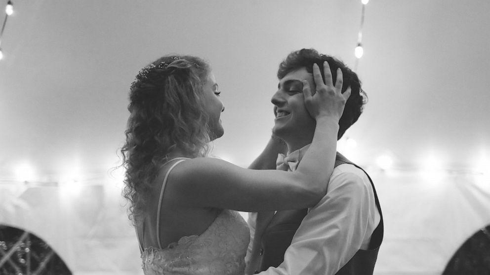High schooler with terminal cancer marries high school sweet heart