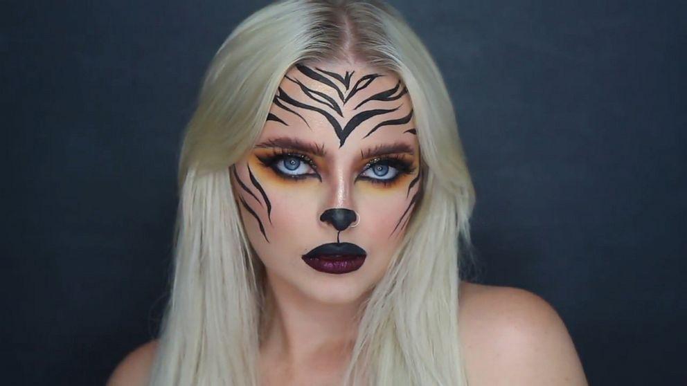 2020 Abc Television Halloween Kelly Ripa shows off 'Schitt's Creek,' 'Tiger King' Halloween