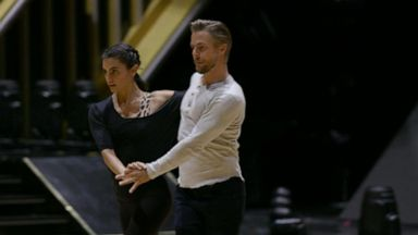 VIDEO: Derek Hough heads back to dance floor on 'Dancing With the Stars'