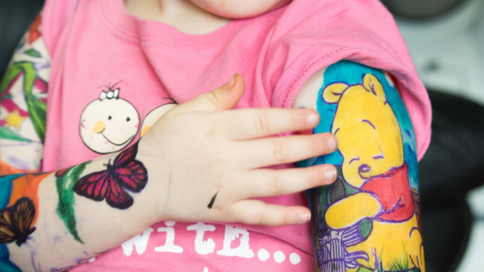 66a8f5d780e9a 3-year-old fighting cancer gets magical Disney 'tattoos' to be just like  dad - ABC News