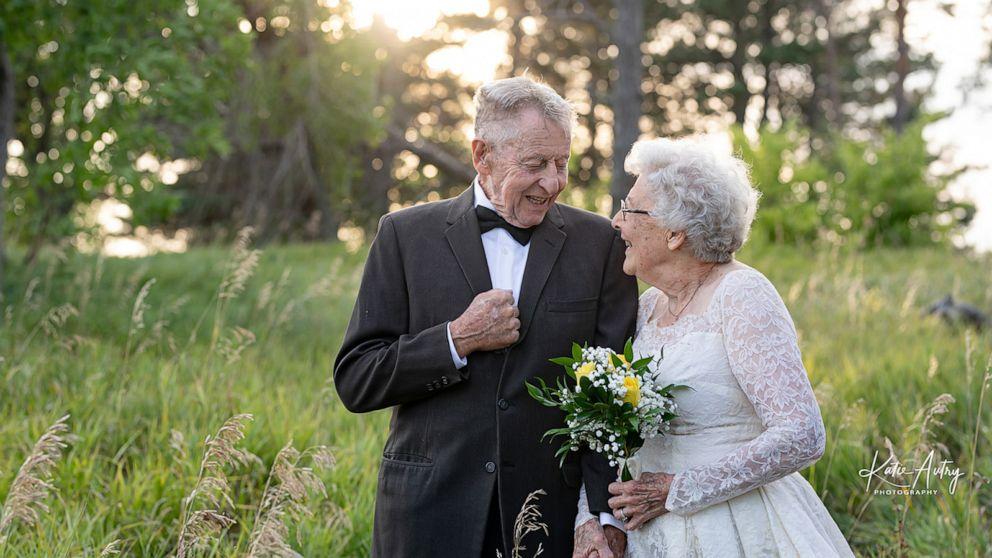 Couple wears original wedding attire in 60th anniversary photos