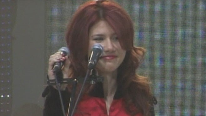 VIDEO: Ex-spy Anna Chapman joins youth wing of Vladimir Putins United Russia party.
