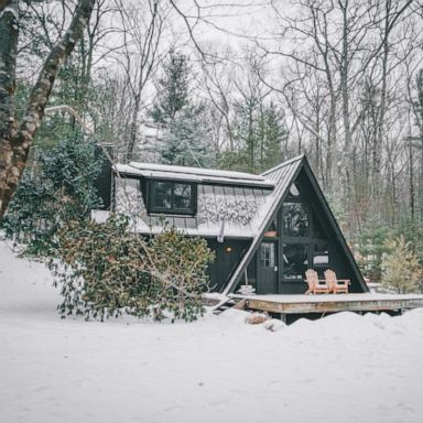 [PHOTO: A cabin in the Catskills of Kerhonkson, New York.]