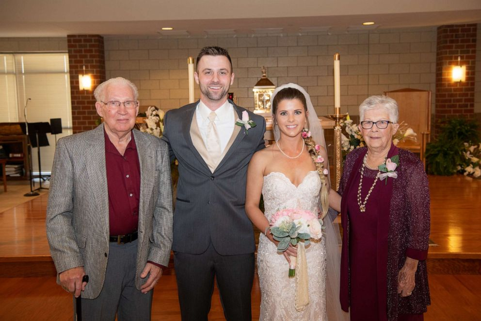 PHOTO: 83-year-old flower girl
