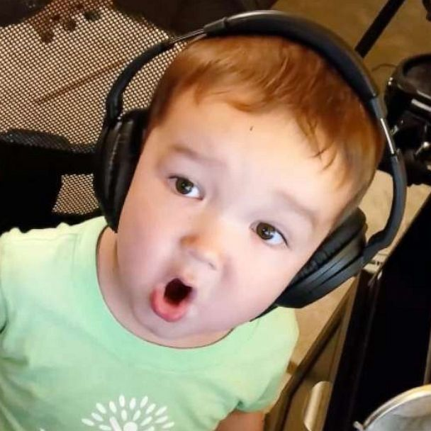 This 2-year-old boy singing Elvis is the cutest thing you'll