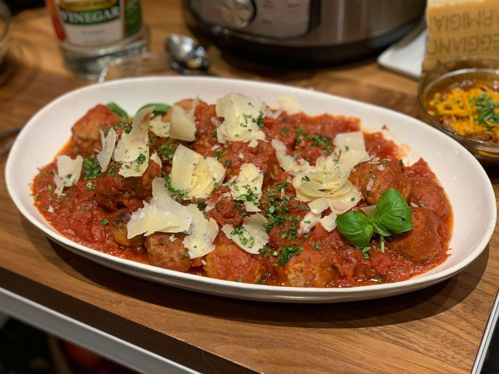 PHOTO: Chef Geoffrey Zakarians meatballs and tomato sauce made in an Instant Pot.