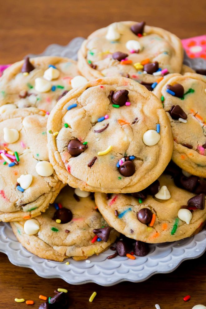 PHOTO: Cake batter chocolate chip cookies from Sallys Baking Addiction.