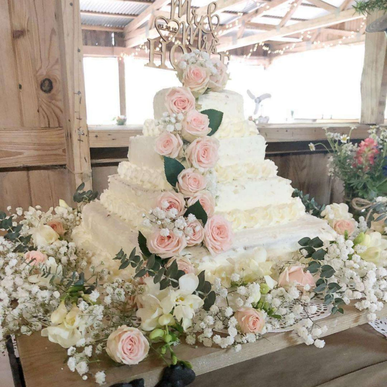 How To Make A Wedding Cake.This Diy Costco Wedding Cake Hack With Trader Joe S Flowers Only