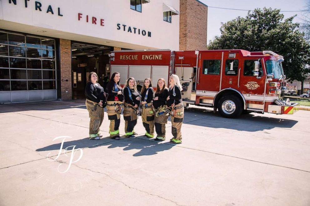 dc059c869 PHOTO: Seven women from Salisbury, North Carolina who are all pregnant had  a photo